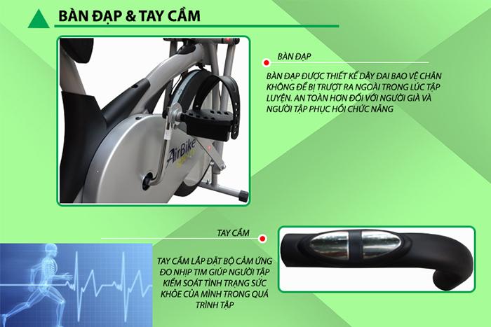 Cảm biến nhịp tim và bàn đạp xe đạp tập Air Bike