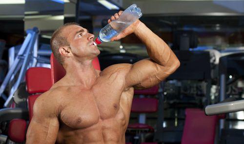 Không cung cấp đủ lượng nước khi tập Gym