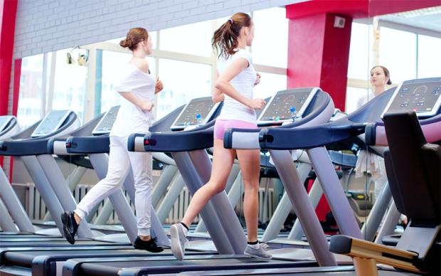 Hướng dẫn cách giảm cân bằng máy chạy bộ