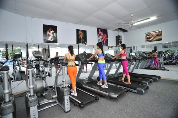 Mua máy chạy bộ cho phòng Gym loại nào tốt