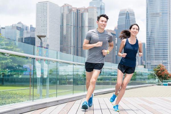 Tập chạy bộ rất tốt cho việc giảm cân, giữ dáng