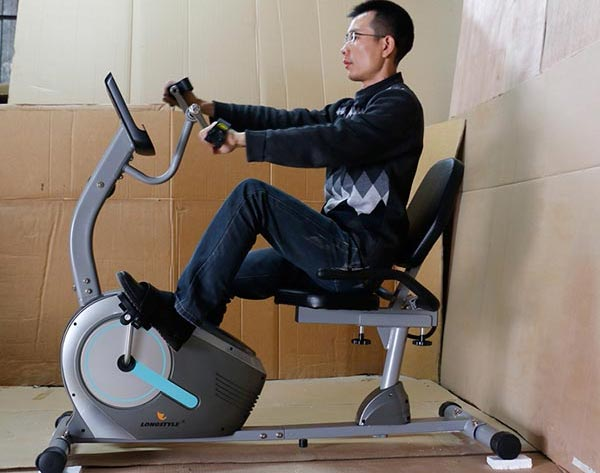 Đạp xe tập phục hồi chức năng tại nhà