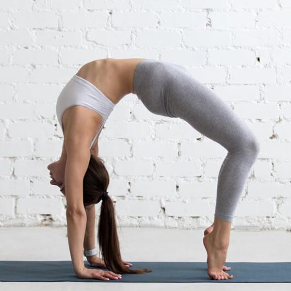 Tư thế Yoga bánh xe