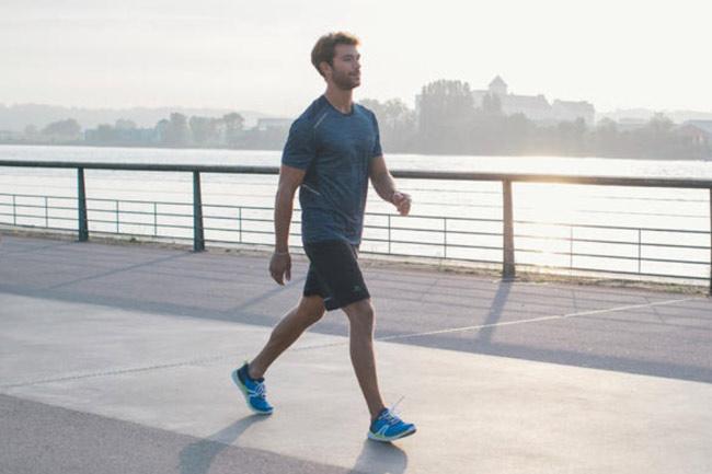 Đi bộ là bài tập tim mạch nhẹ nhàng tốt cho sức khỏe