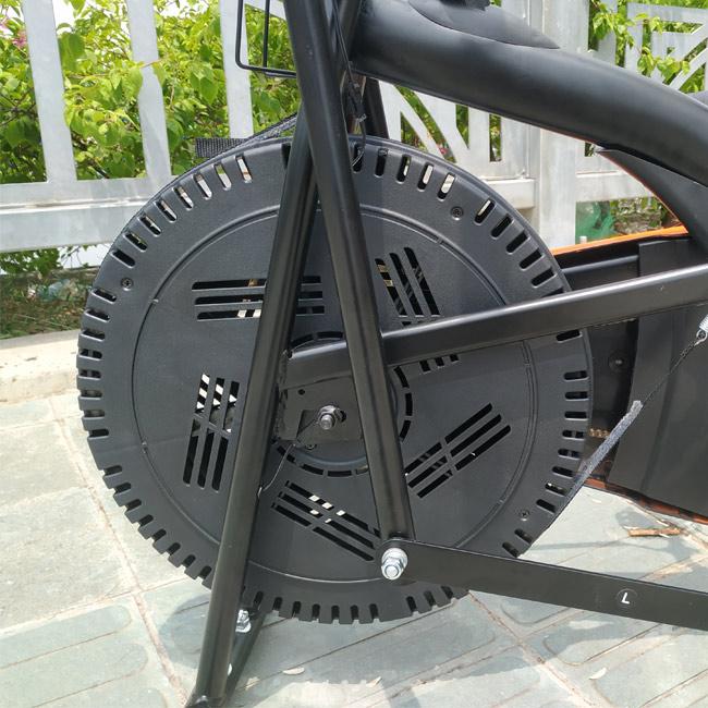 Bánh xe đạp tập thể dục Pro-08