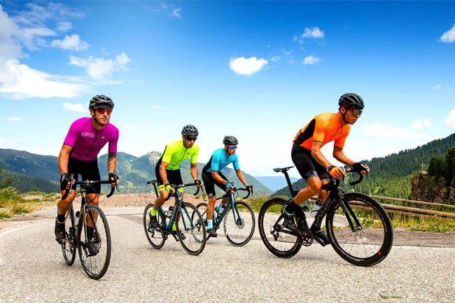Đạp xe là bài tập tim mạch cường độ cao an toàn cho xương khớp